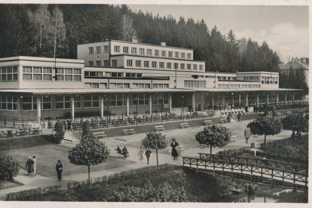 Společenský dům v Luhačovicích od Františka Roitha byl otevřen 2. června 1935 | foto: Fotobanka Profimedia
