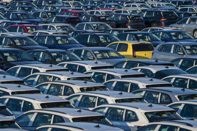 Odstavné parkoviště nových vozů vyrobených v automobilce Škoda Auto Mladá Boleslav