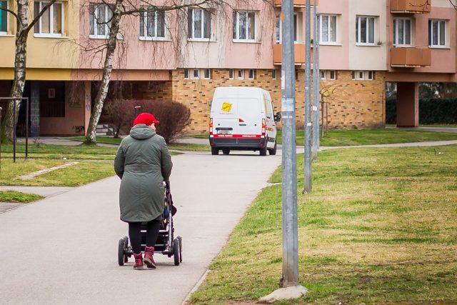 Nápad nynější vlády zvednout od příštího roku starobní penze v průměru o celých 1200 korun vyvolal v řadách českých mainstreamových ekonomů doslova zděšení (ilustrační foto)