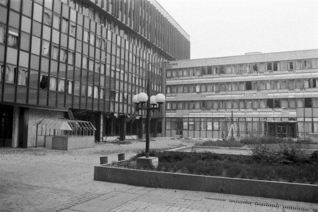 Výbuch v atriu budov národních výborů v Ústí nad Labem