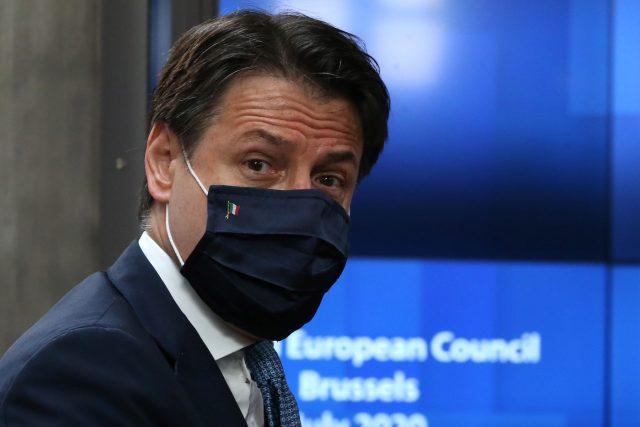Italský premiér Giuseppe Conte na summitu v Bruselu | foto: Fotobanka Profimedia