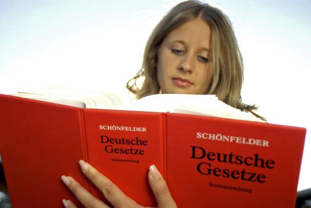 Studium němčiny (ilustrační foto)