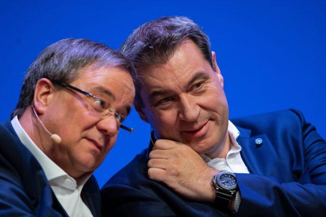Šéf CDU Armin Laschet  (vlevo) a šéf CSU Markus Söder | foto: Fotobanka Profimedia