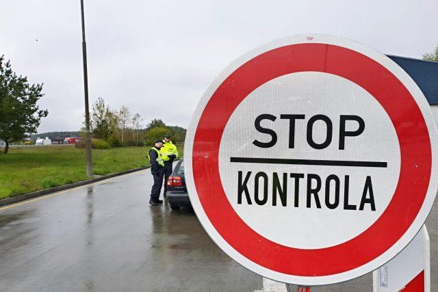Na Rozvadov a další přechody s Německem se po více než 11 letech vrátily kontroly. Jedná se o cvičení, kdy policisté, vojáci nebo celníci zjišťují, jak dokáží ochránit hranice