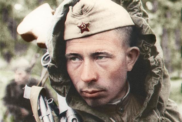 Vsevold Tarasevich: Sovětský kulometčík Jefim Kostin, Leningrad 1944