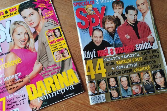 Stará čísla časopisu Spy: Módní policie, vysvědčení celebrit, slavní čeští gayové