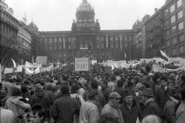 sametová revoluce aneb rok 1989 očima výtvarníka Krištofa Kintery