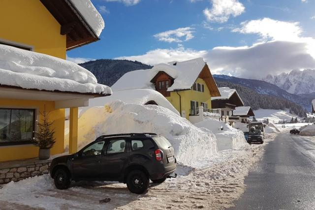 Rakouské Alpy hlásí nejvíc sněhu za posledních 13 let, pociťuje to například vesnička Gosau