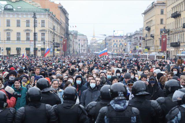 Protesty v Rusku proti zatčení Navalného  (Protest against the detention of the opposition leader Alexey Navalny in St. Petersburg,  Russia - 23 Jan 2021) | foto: Fotobanka Profimedia