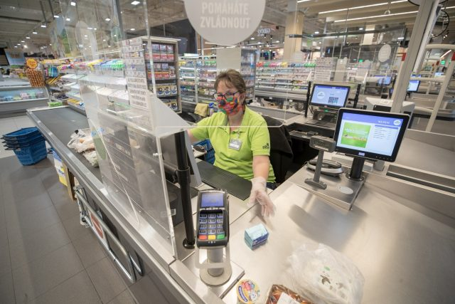 Ceny potravin v maloobchodě se zvyšují | foto: Michal Šula,  MAFRA / Profimedia