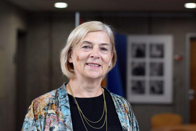 Rut Kolínská, zakladatelka hnutí mateřských center v České republice, v roce 2002 založila Síť mateřských center v ČR a je jeho první prezidentko
