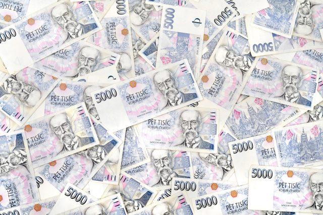 Peníze  (ilustrační foto) | foto: Fotobanka Profimedia