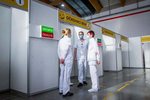 Zdravotníci | foto: Petr Lundák,  MAFRA / Profimedia