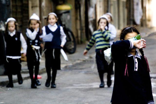 Me'a Še'arim je charedská čtvrť v Jeruzalémě,  symbol ultraortodoxních židů | foto: Jiří Kalát