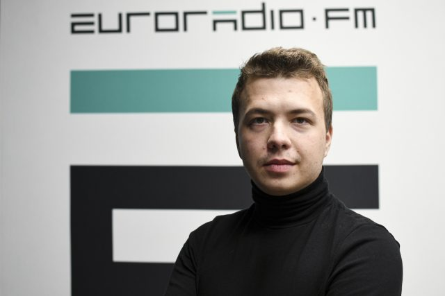 Běloruský opoziční novinář Raman Pratasevič v roce 2019 | foto: ČTK/AP