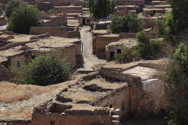 Rozpadlé domy v irbílské citadele