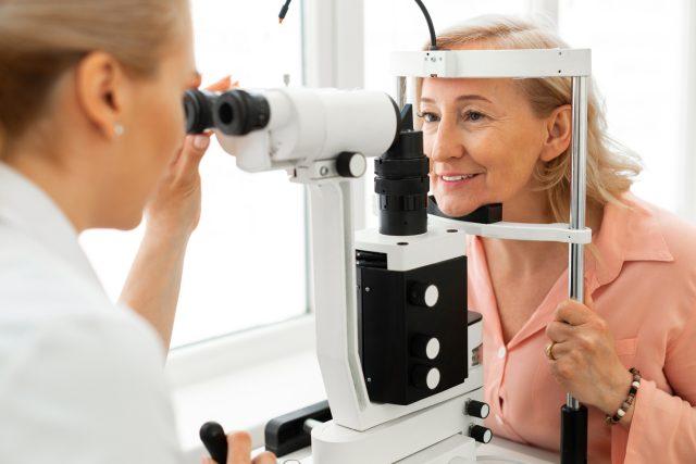 Preventivní prohlídka u očního lékaře | foto: Shutterstock