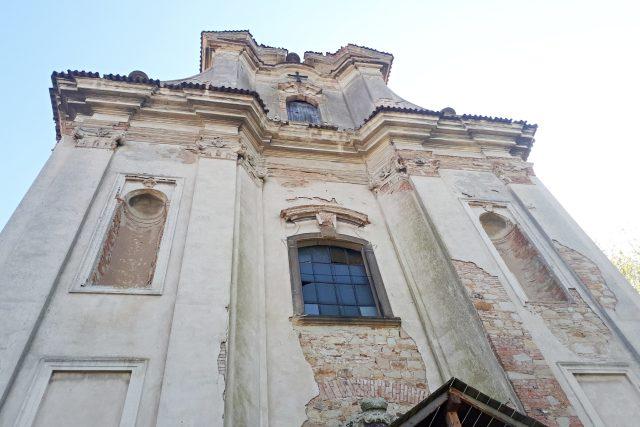 Kostel sv. Havla připomíná ruinu. Jeho interiér ale patří k historicky nejcennějším | foto: Markéta Vejvodová,  Český rozhlas