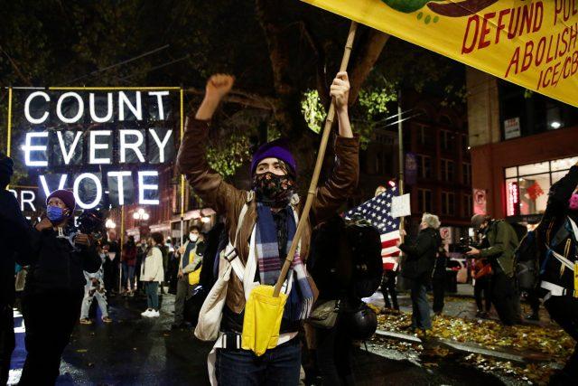 Americké demonstrace: Sečtěte každý hlas  (Washington on November 4,  2020) | foto: Fotobanka Profimedia