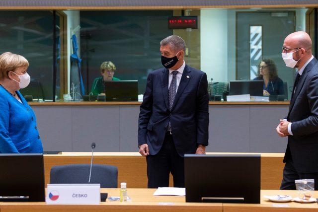 Summit v Bruselu: zleva Angela Merkelová, Adrej Babiš a Charles Michel