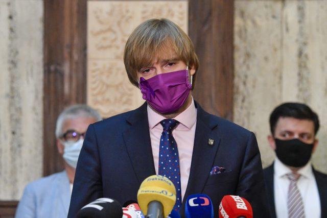 Adam Vojtěch odstoupil z funkce ministra zdravotnictví