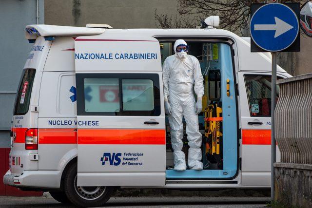 Lombardie a koronavirus /Coronavirus emergency in Lombardy/
