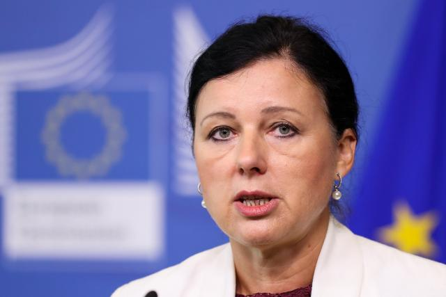 Věra Jourová, eurokomisařka (Press conference on AirBnB consumer action at the EU Commission)