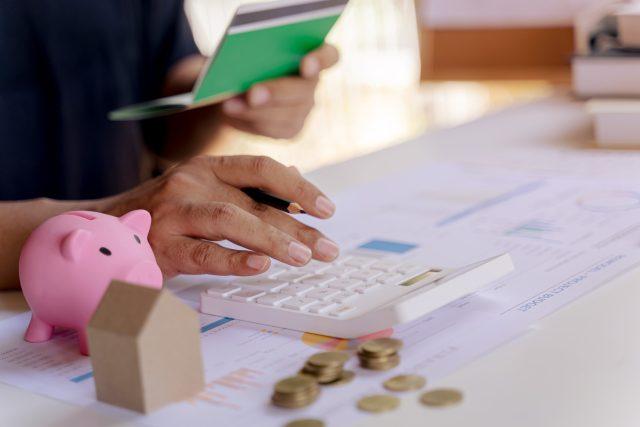 Peníze,  úspory,  investice | foto: Profimedia
