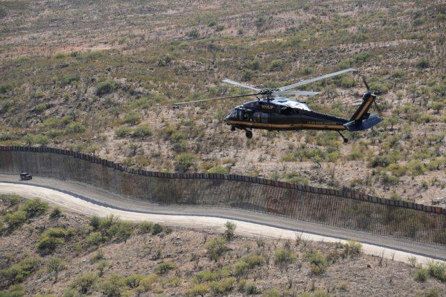 Zeď mezi USA a Mexikem