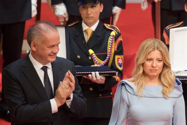 Střídání. Končící prezident Andrej Kiska a jeho nástupkyně ve funkci Zuzana Čaputová