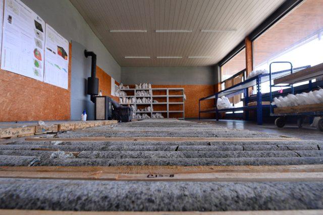 Vytěžené lithium v sídle Geometu v Dubí  (foto z roku 2012)   foto:  Ondřej Bičiště / MAFRA,  Profimedia