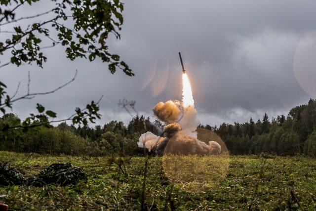 Odpal rakety ruského systému Iskander