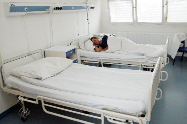 Infekční oddělení, pacient (ilustrační foto)