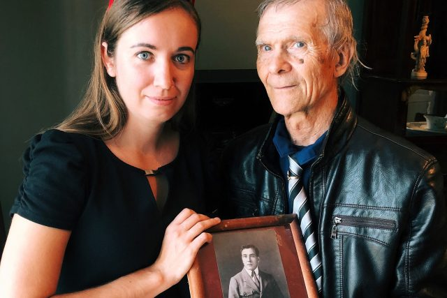 Dokumentaristka Martina Pouchlá, potomek legionáře Boris Trizna a fotka jeho předka Leopolda Dvorného