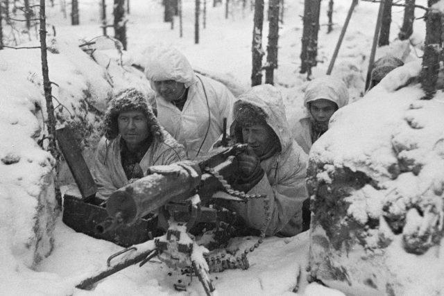 Fotografie ze zimní války | foto: autor neznámý,   Military Museum of Finland,  Wikimedia Commons  (CC BY-SA 4.0)