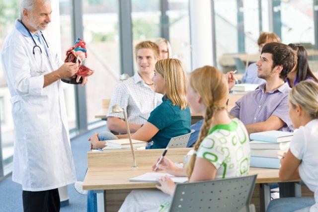Studenti medicíny (ilustrační foto)