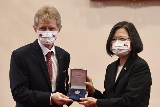 Předseda Senátu Miloš Vystrčil se setkal 3. září 2020 v Tchaj-peji s tchajwanskou prezidentkou Cchaj Jing-wen