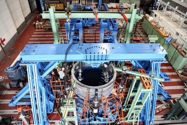 Testování krytu spodní nosné konstrukce pomocného motoru rakety Ariane 6   foto: Výzkumný a zkušební letecký ústav  (VZLU)