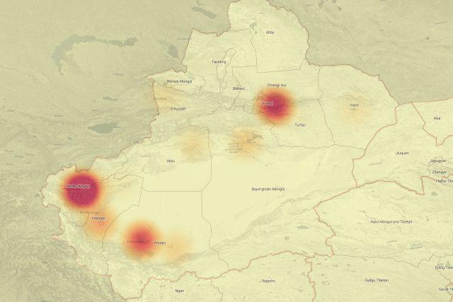 Tepelná mapa ukazuje rozložení a velikost 28 táborů v provincii Sin-ťian. Čím větší je kombinovaná velikost zařízení v oblasti,  tím tmavší je zobr na mapě. Nejvíce zadržených osob se podle této mapy nachází v okolí města Kashgar   foto: Australian Strategic Policy Institute