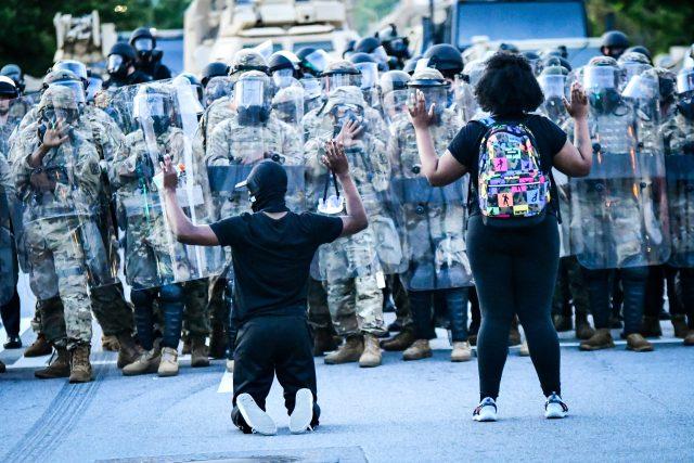 Protesty v Atlantě po smrti George Floyda (fotografie z 1. června)