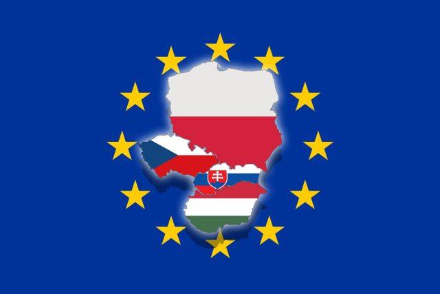 Visegrádskou skupinu V4 tvoří Česko, Maďarsko, Polsko a Slovensko.