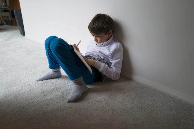 K domácím úkolům přibyla i domácí výuka