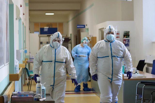 Český červený kříž shání dobrovolníky pro pomoc v Krajské nemocnici v Liberci   foto: Barbora Bělíková,  @krajskanemocniceliberec