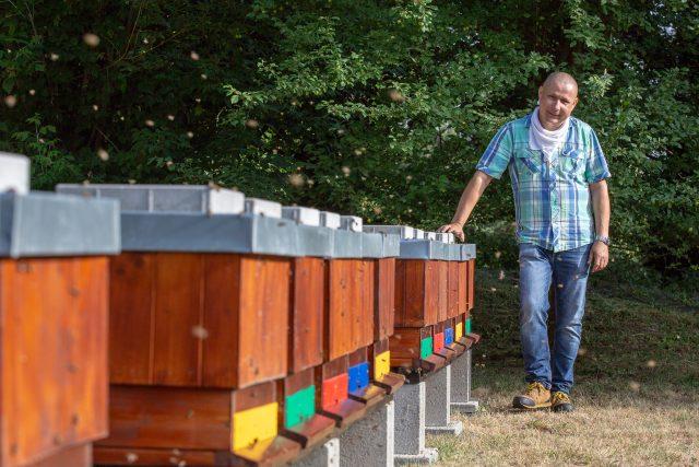 Augustin Uváčik, odborníka na chov včel a učitel včelařství