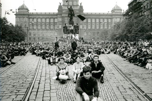 Národní muzeum v době okupace v roce 1968 | foto: Jiří Všetečka,  Archiv Národního muzea