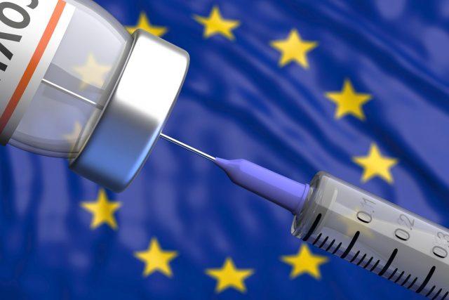 Evropská komise objednává, nakupuje a rozděluje mezi členské státy vakcíny proti covidu-19