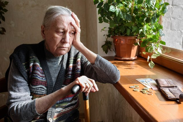 Stáří,  chudoba,  senior | foto: Shutterstock