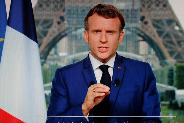 Emmanuel Macron,  francouzský prezident při televizním projevu | foto: Fotobanka Profimedia