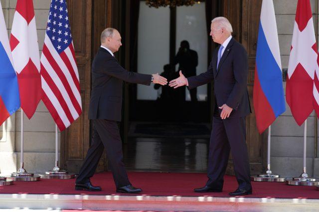 Setkání Joe Bidena a Vladimira Putina v Ženevě | foto: Patrick Semansky,  ČTK/AP
