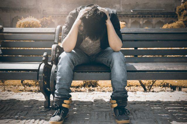 smutek – samota – deprese – nezaměstnanost – starosti
